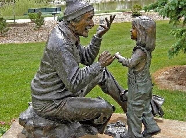 Öreg bölcs unokájához
